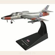 Истребитель Hawker Hunter T.7 1:100